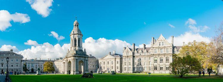 Campanile du Trinity College à Dublin